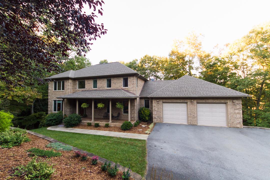 25 Whitaker View Rd, Fairview, NC 28730
