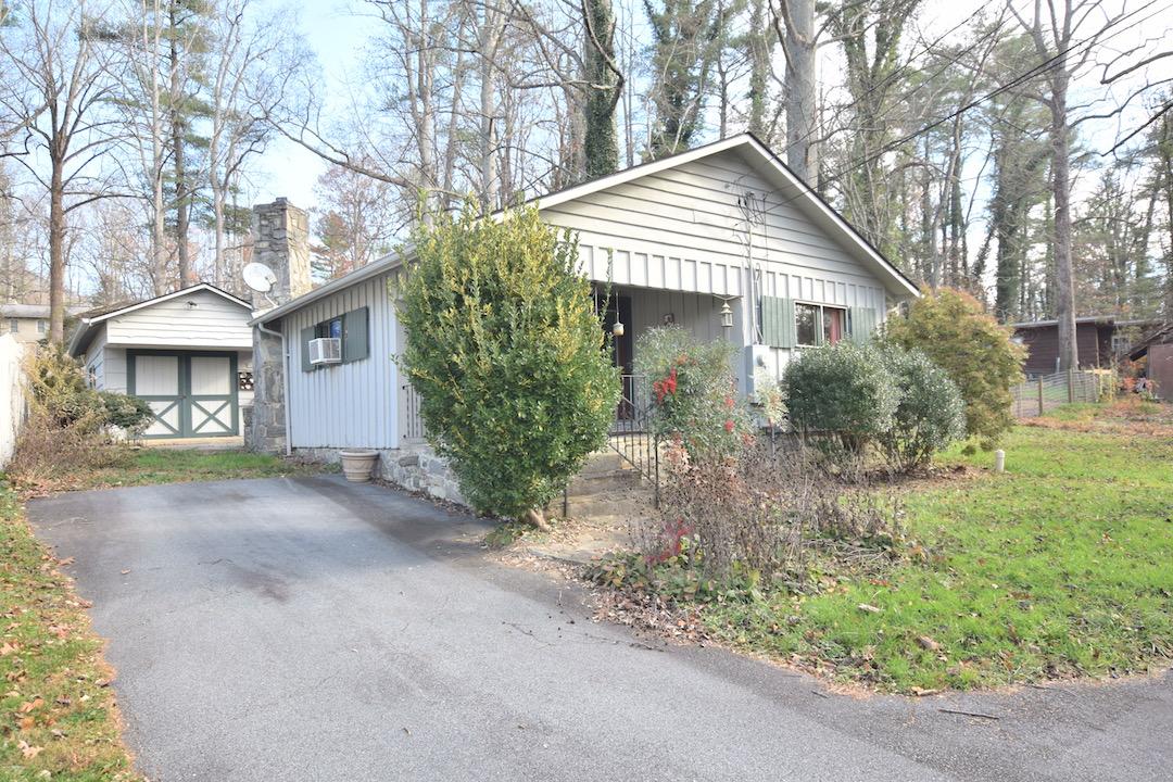 215 Cedar Lane, Arden NC 28704